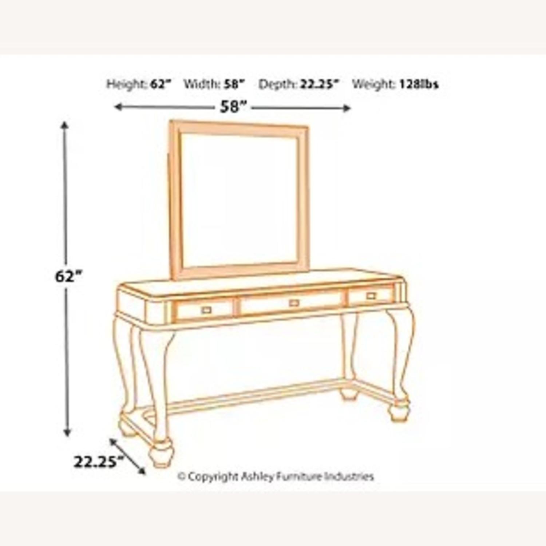 Ashley Furniture Coralayne Vanity with Seat - image-2