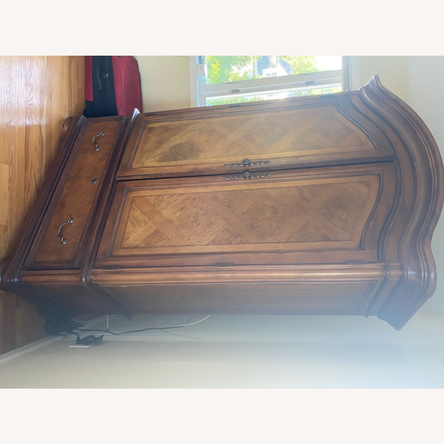 Thomasville Hills of Tuscany Armoire - image-6