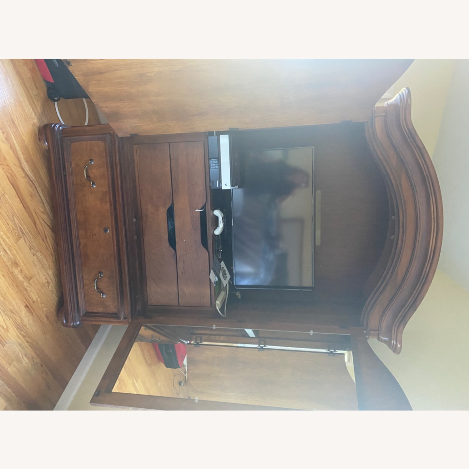Thomasville Hills of Tuscany Armoire - image-8