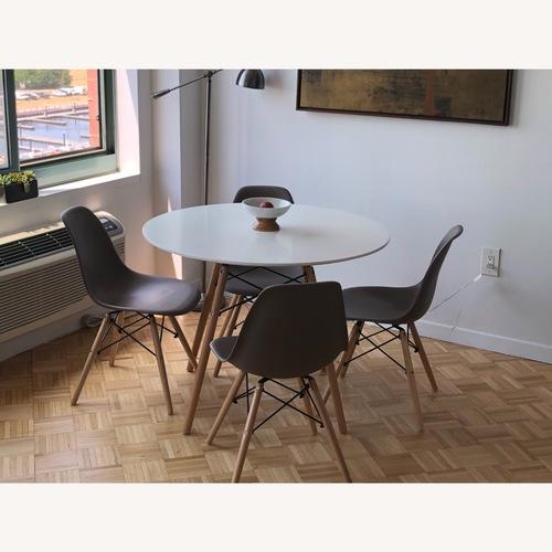 Used Wayfair Modern White Small Dining Table for sale on AptDeco