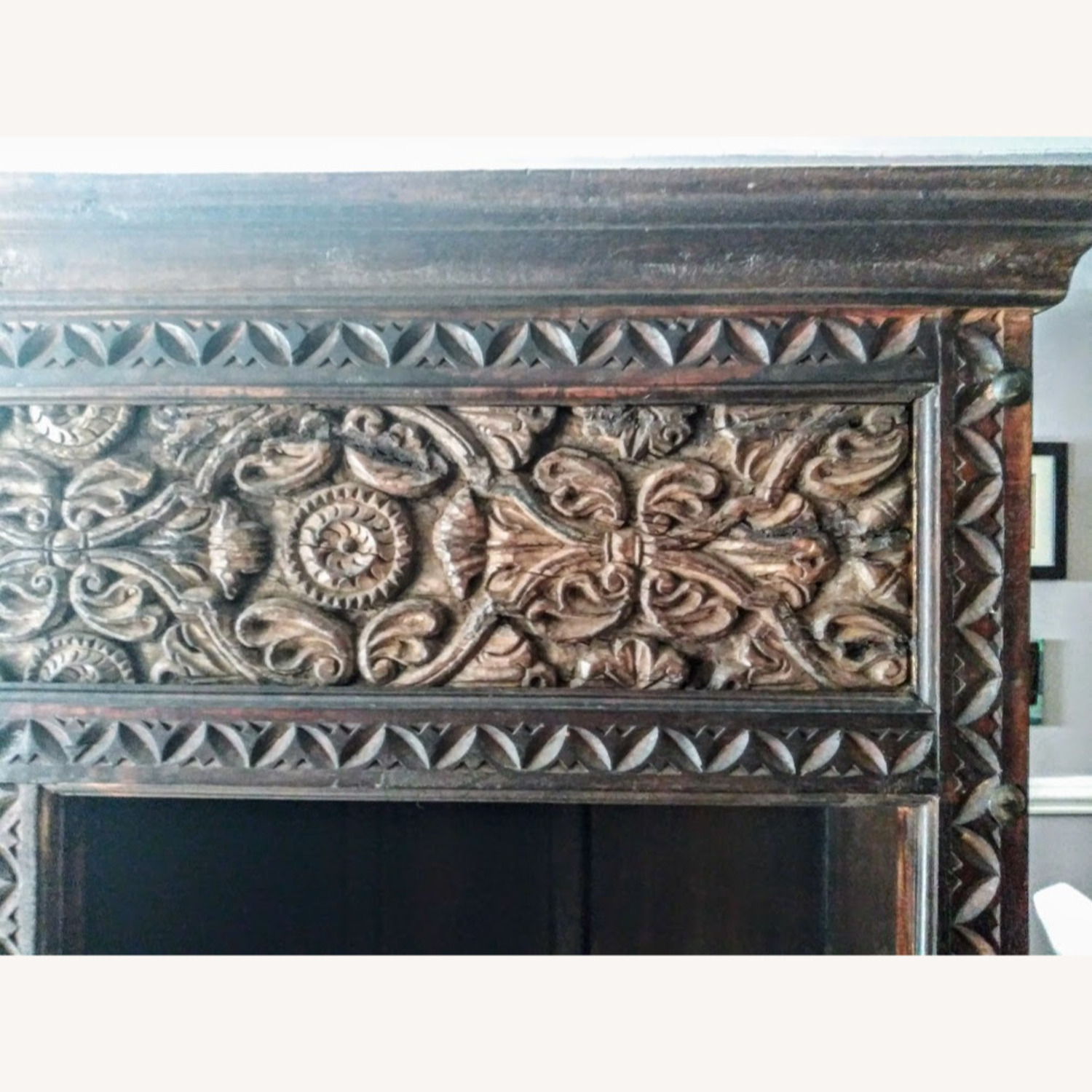 Exquisive Hand Cavred Bookcase - image-4