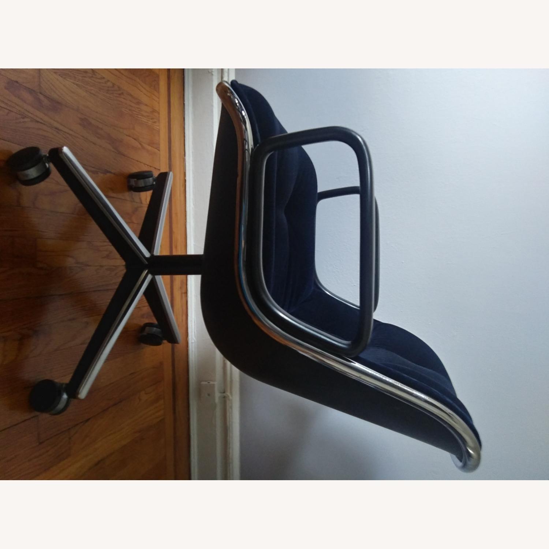 Knoll Vintage Pollock Chairs in Blue Velvet - image-3