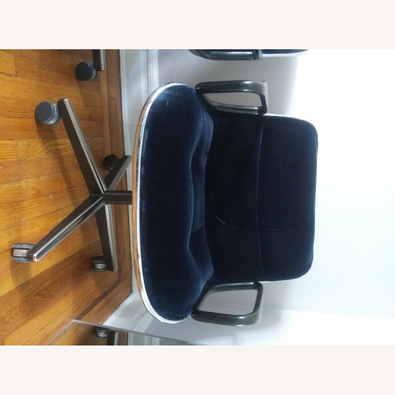 Knoll Vintage Pollock Chairs in Blue Velvet - image-9