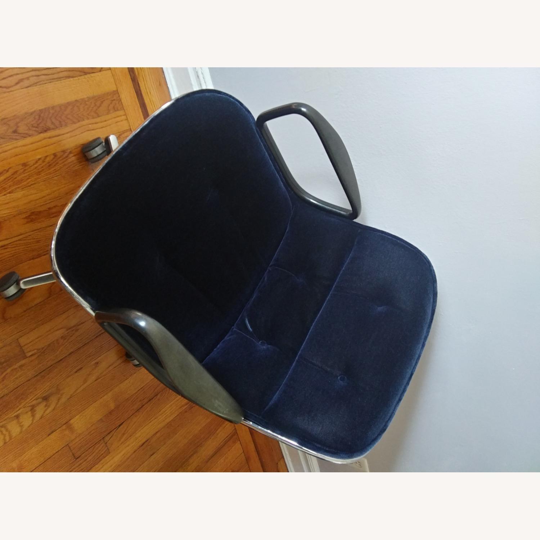 Knoll Vintage Pollock Chairs in Blue Velvet - image-11