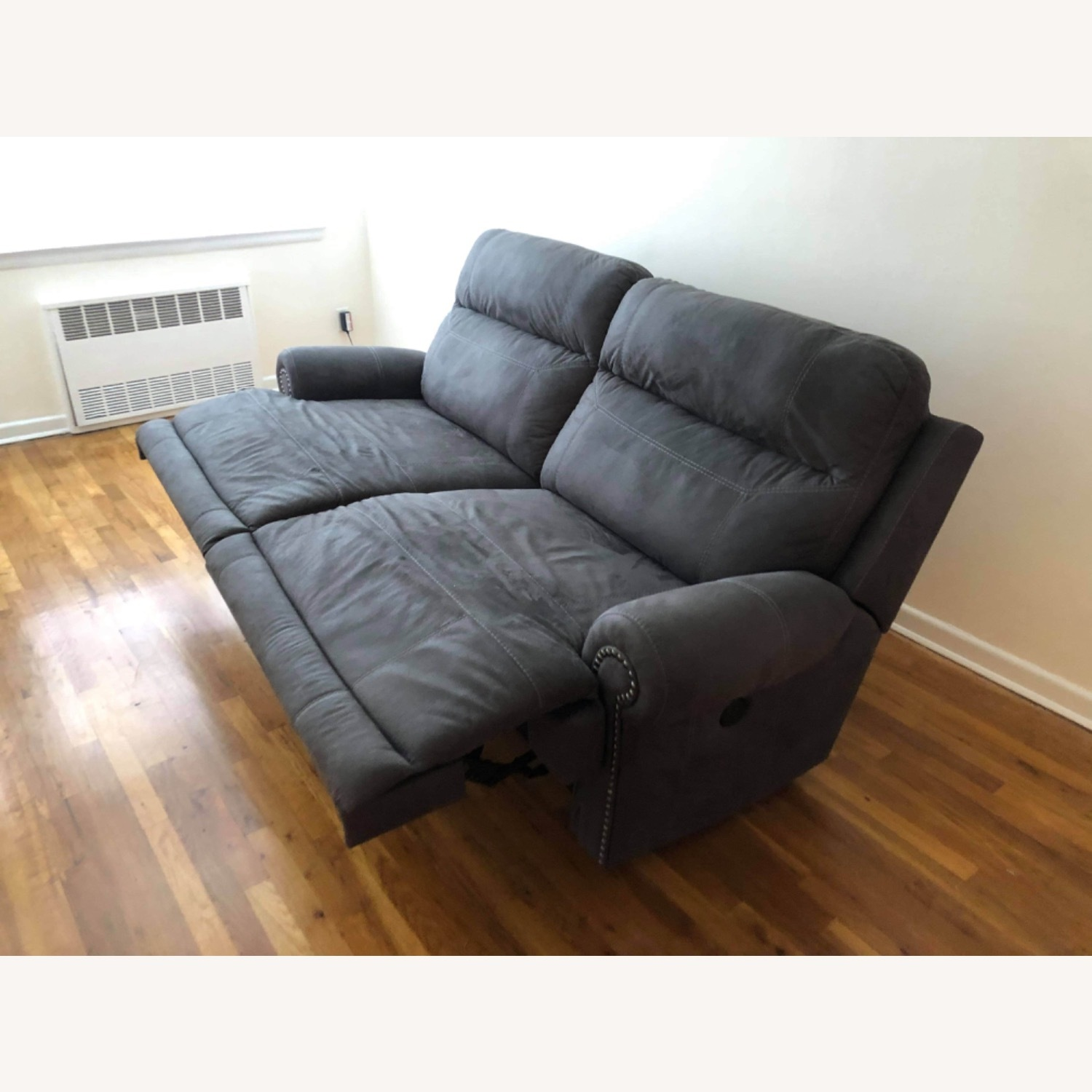 Wanek Furniture Company Electric Recliner Sofa - image-5