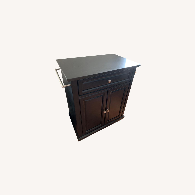 Image of: Solid Black Granite Top Portable Kitchen Island Aptdeco