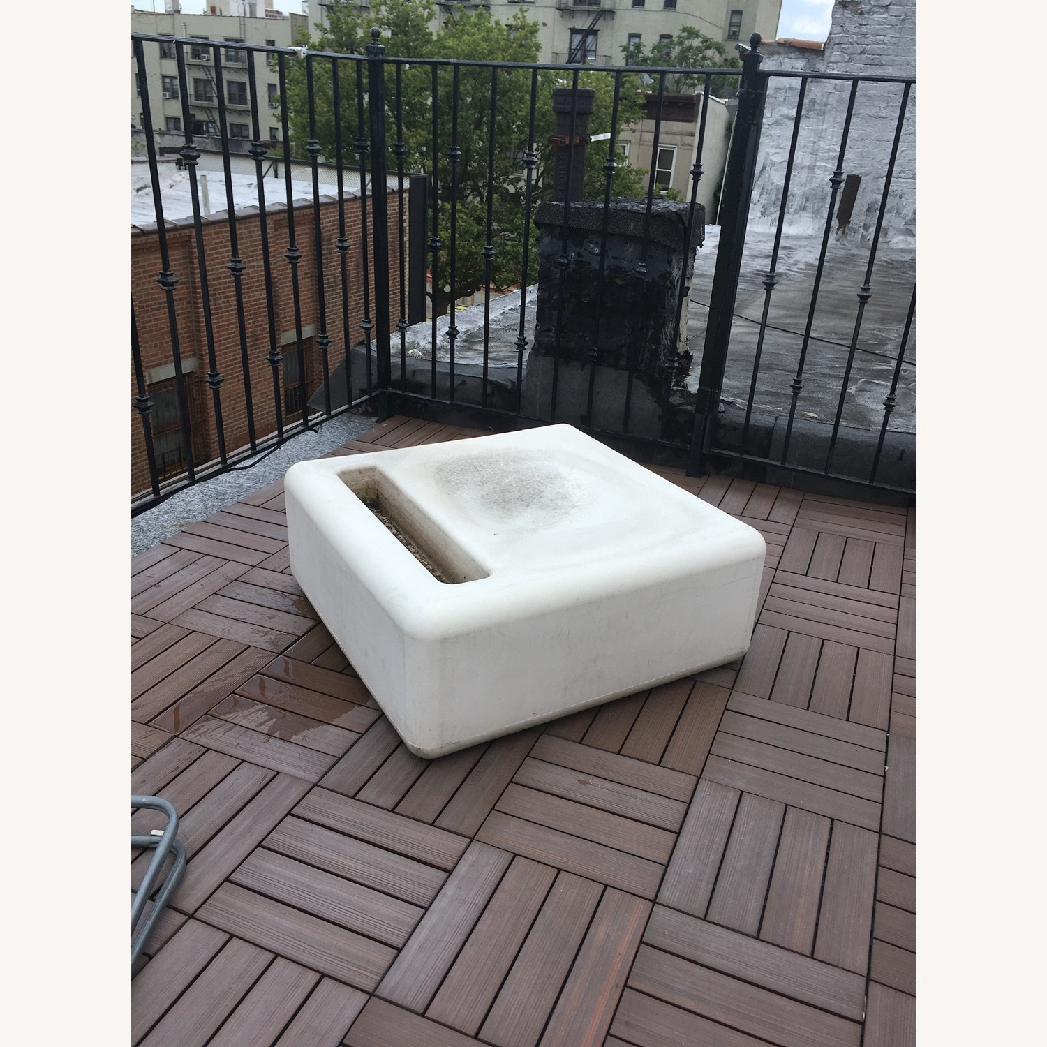 Modern Recycled Plastic Outdoor Seating - image-1