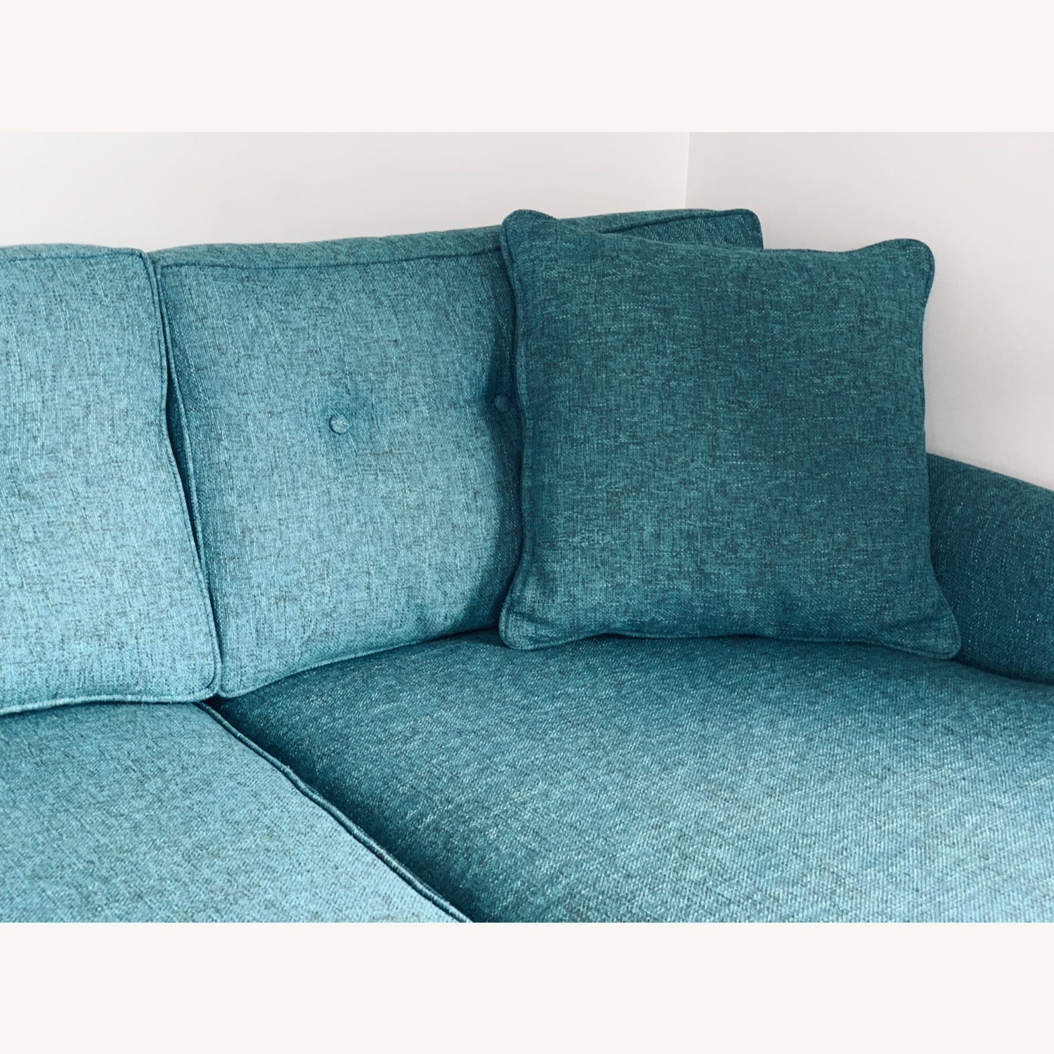Trendy 2-Piece Sectional Sofa - image-6