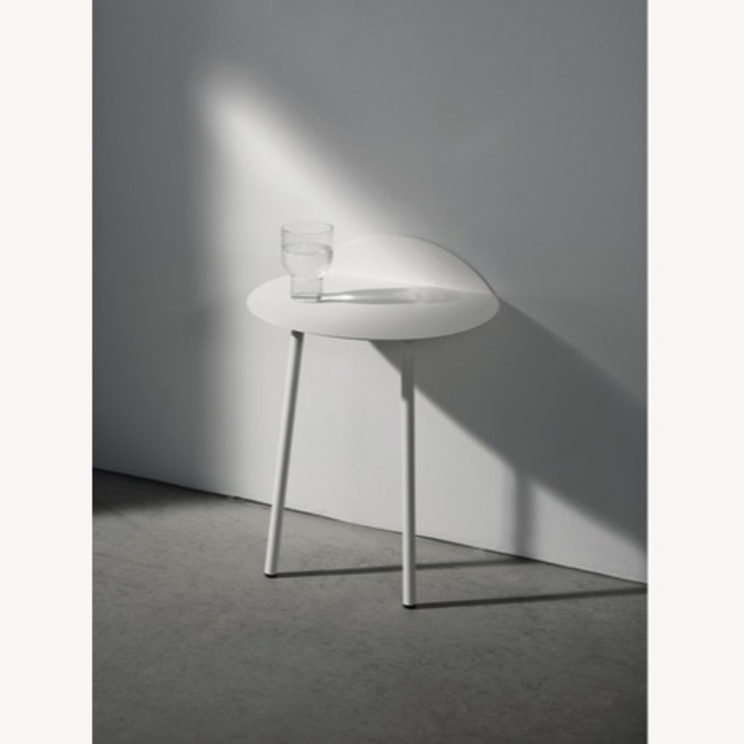 Menu Space Minimalistic Low Wall Table - image-2