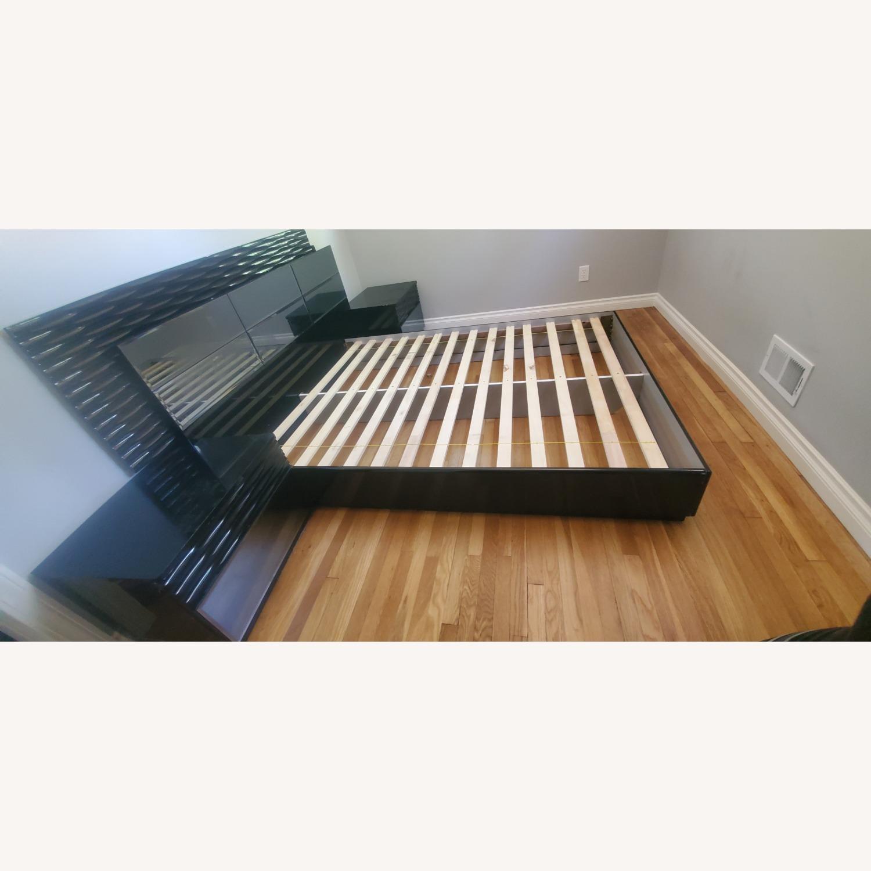Coaster Fine Furniture Manhattan Platform Led Bed - image-3