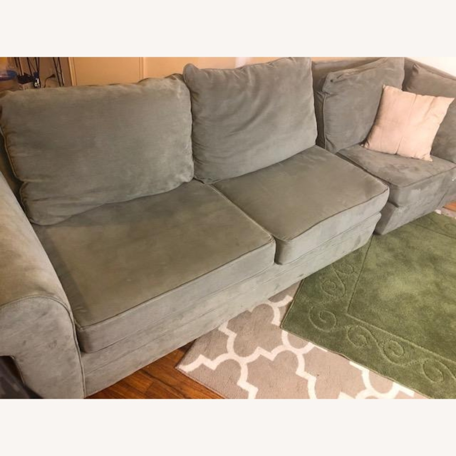Bob's Discount Right Arm 2 Seater Sofa and Corner Chair - image-4