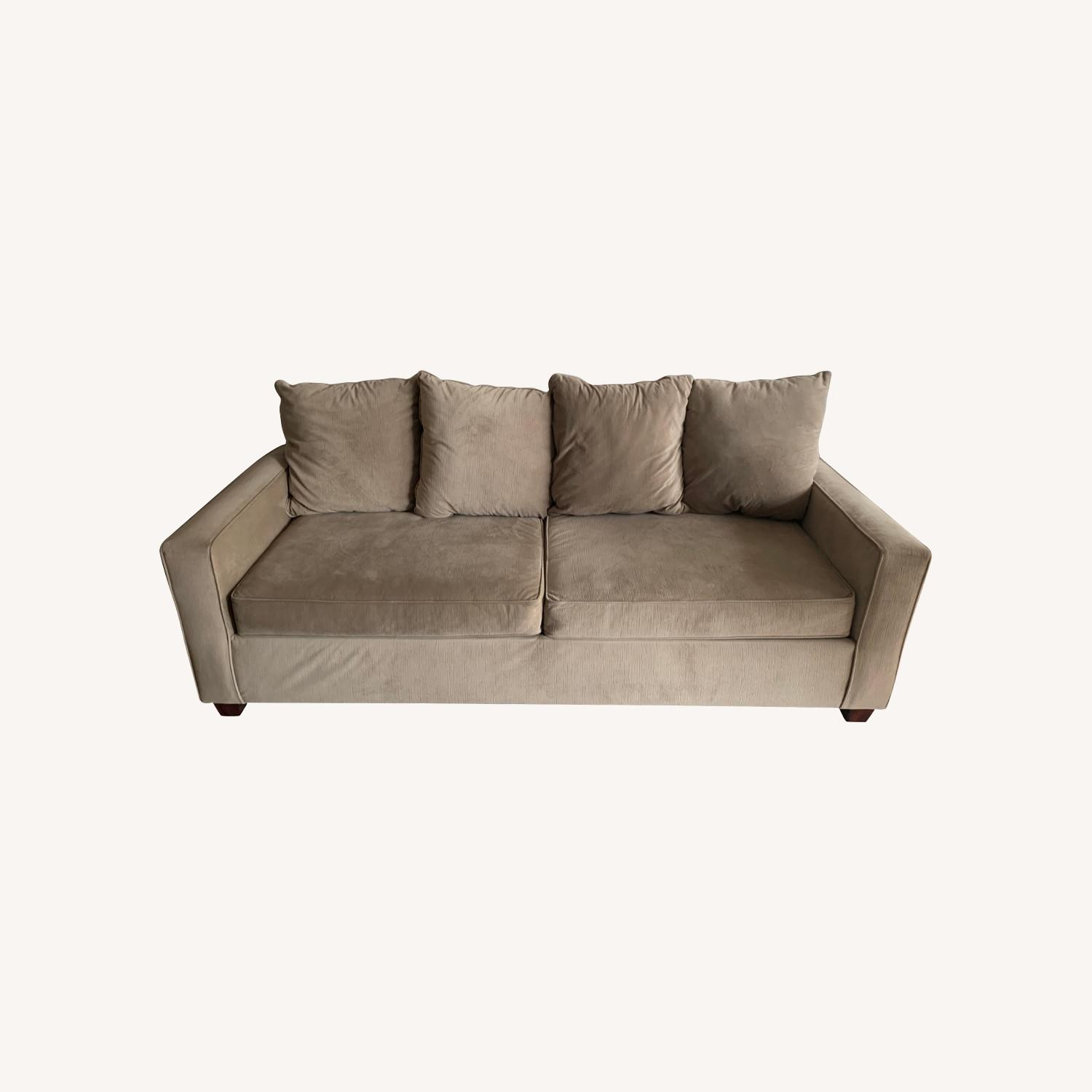 Picture of: Value City Furniture Living Room Couch Aptdeco