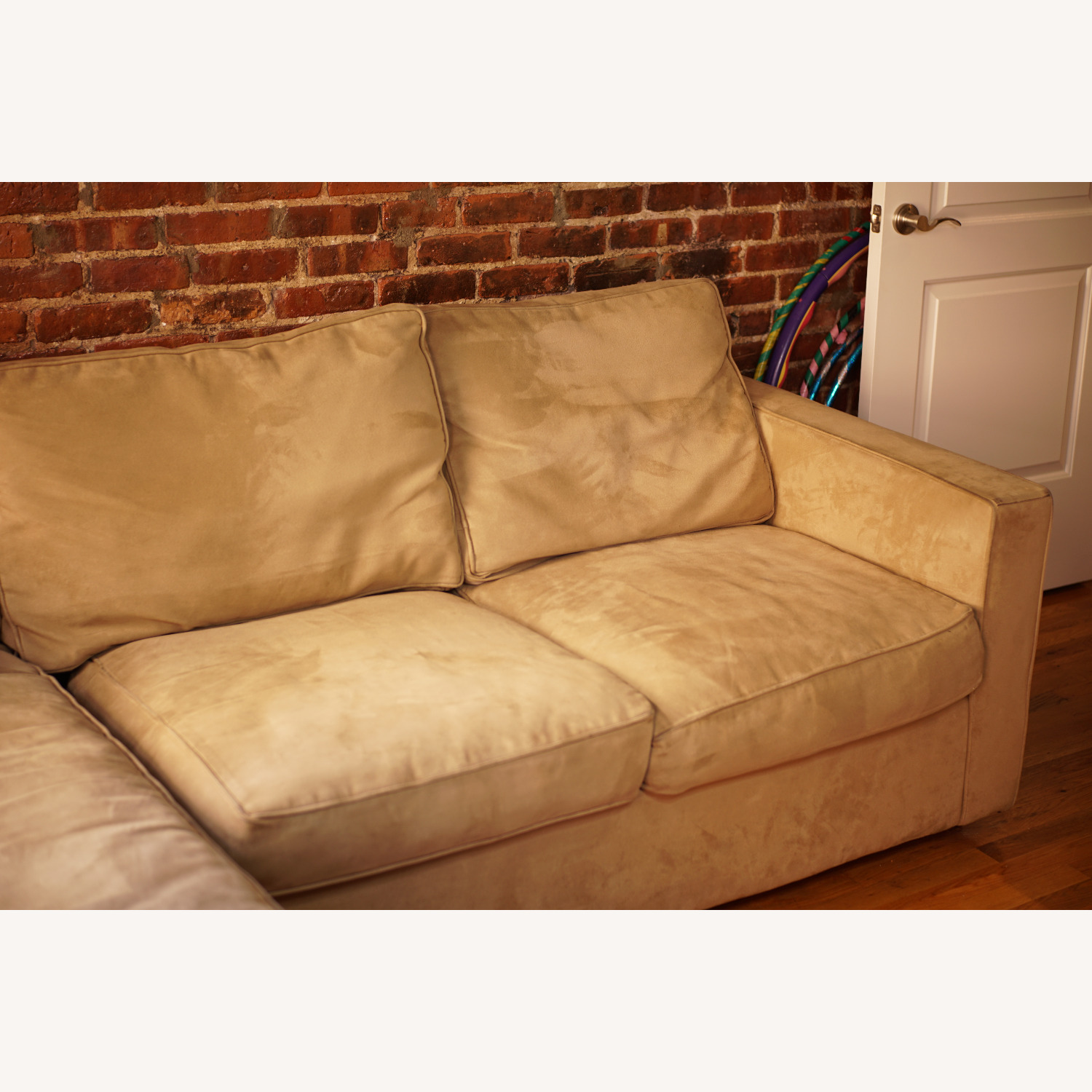 Medium Comfy Couch - image-1