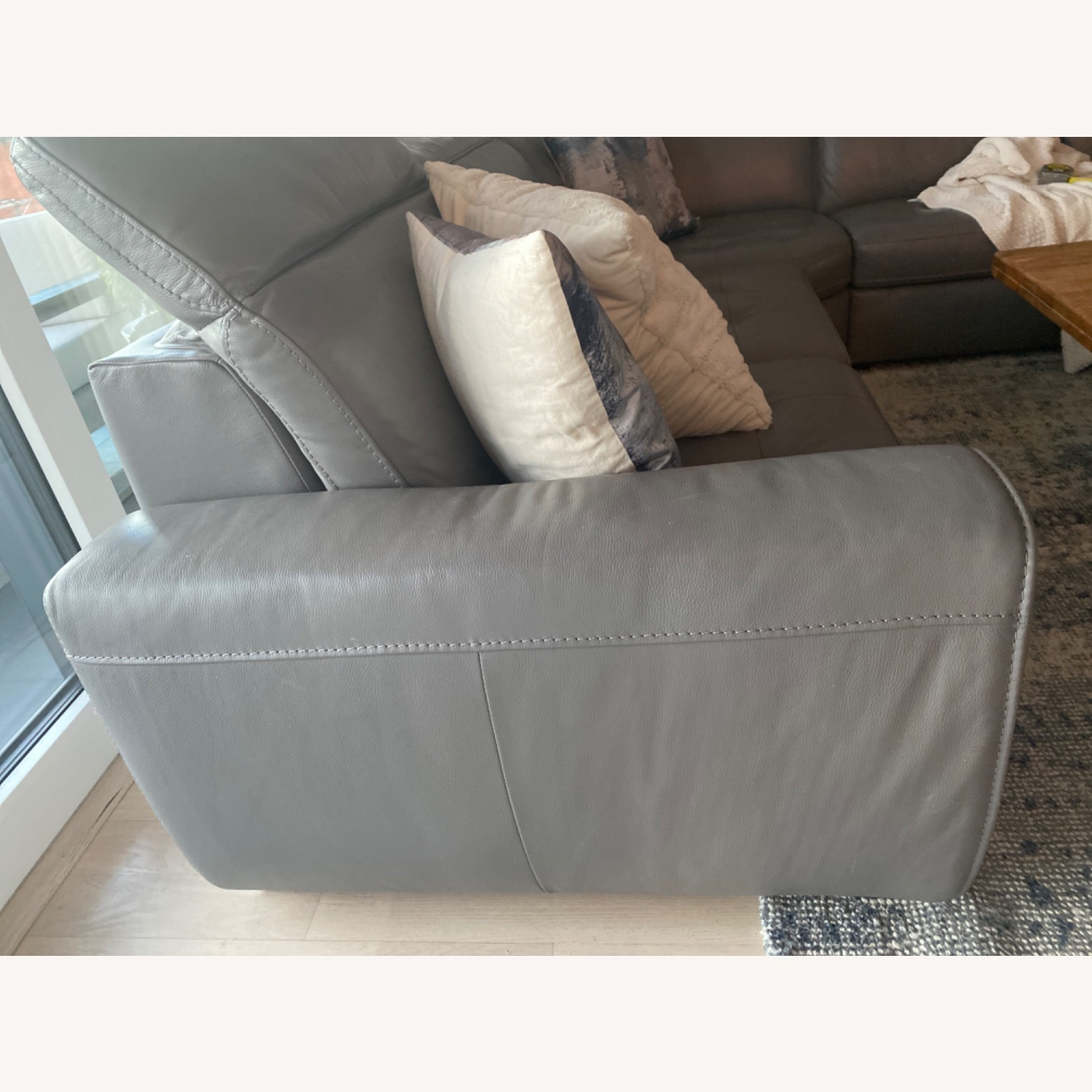 W shilling Leather Recliner Sectional Light Grey - image-3