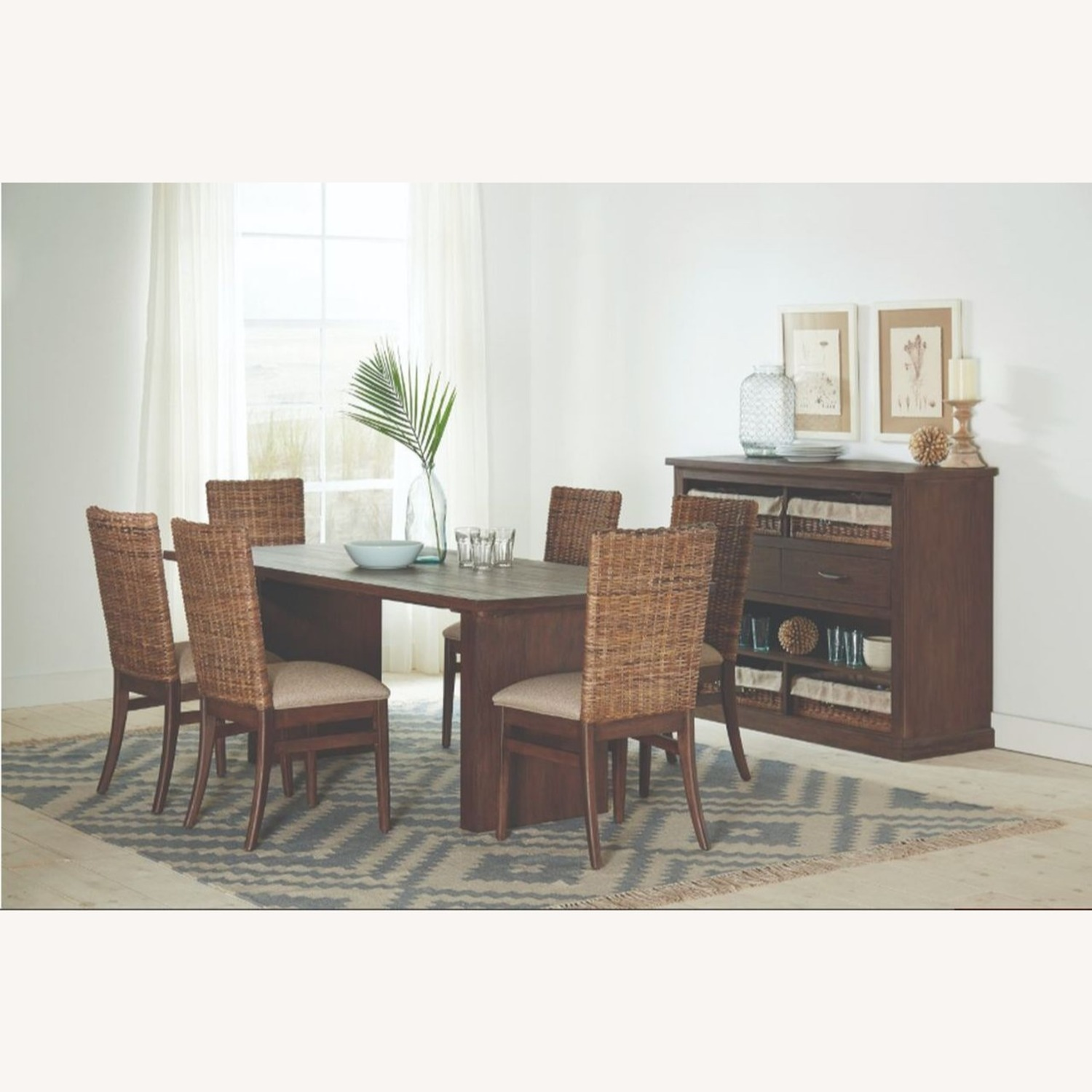 Modern Dining Table In Solid Mahogany - image-4
