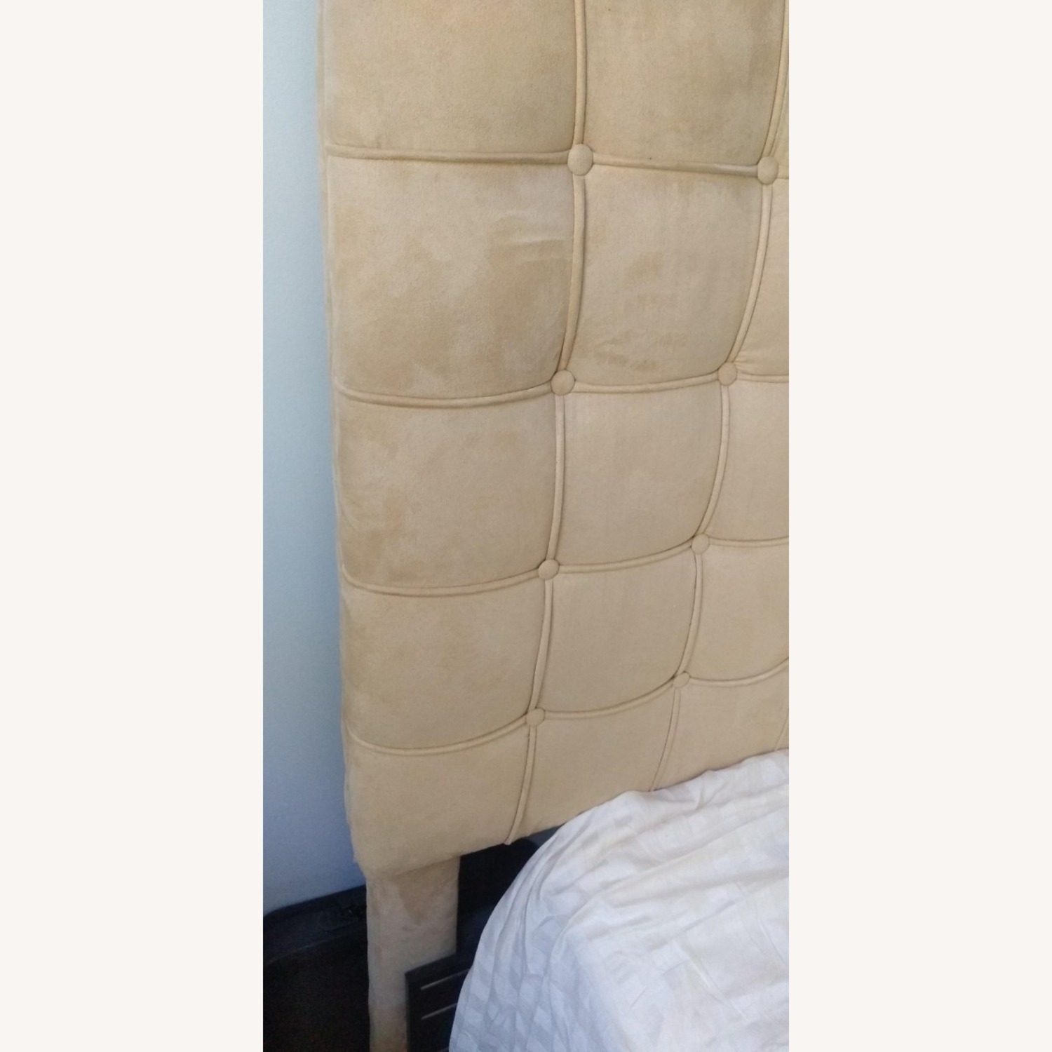 Annabel Tufted Button Headboard w/ Platform included - image-3