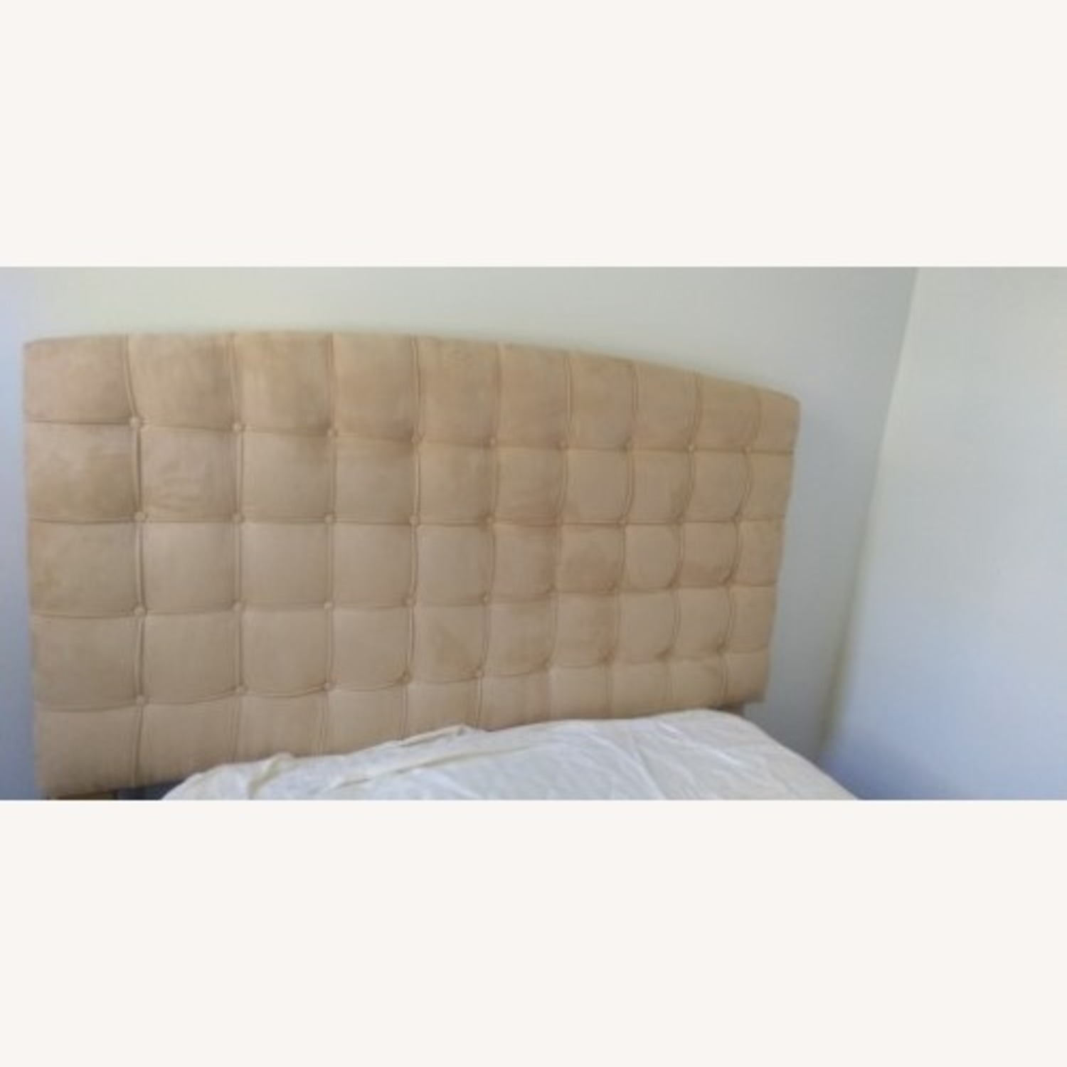 Annabel Tufted Button Headboard w/ Platform included - image-2