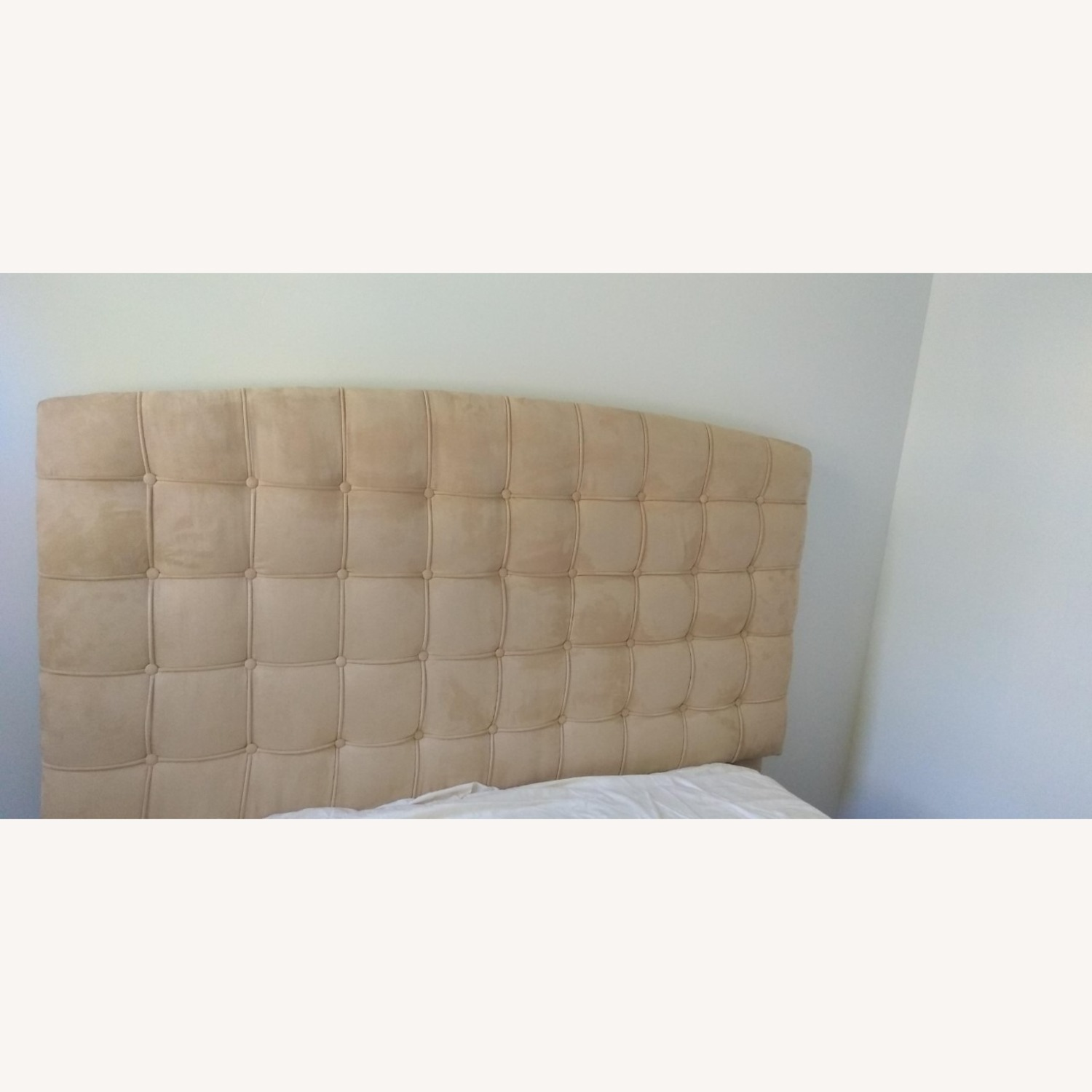 Annabel Tufted Button Headboard w/ Platform included - image-1