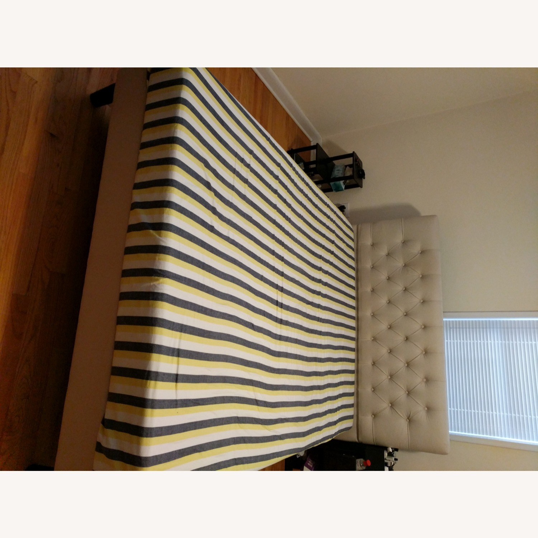 HeathZenith Queen bed - image-1