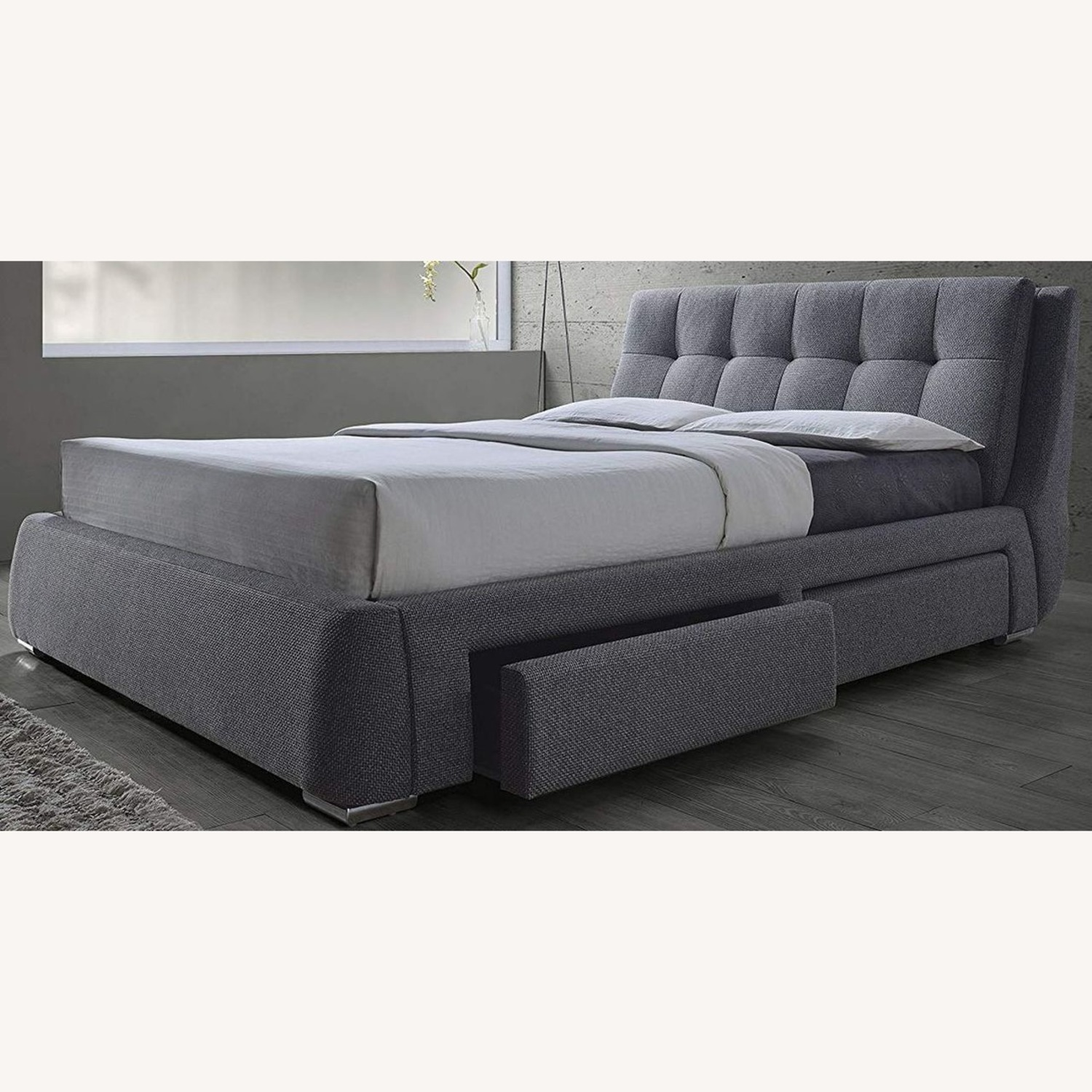 King Storage Bed W/ 4 Drawers In Soft Grey - image-0