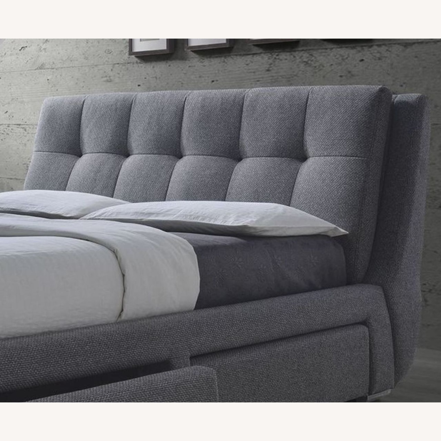 King Storage Bed W/ 4 Drawers In Soft Grey - image-1