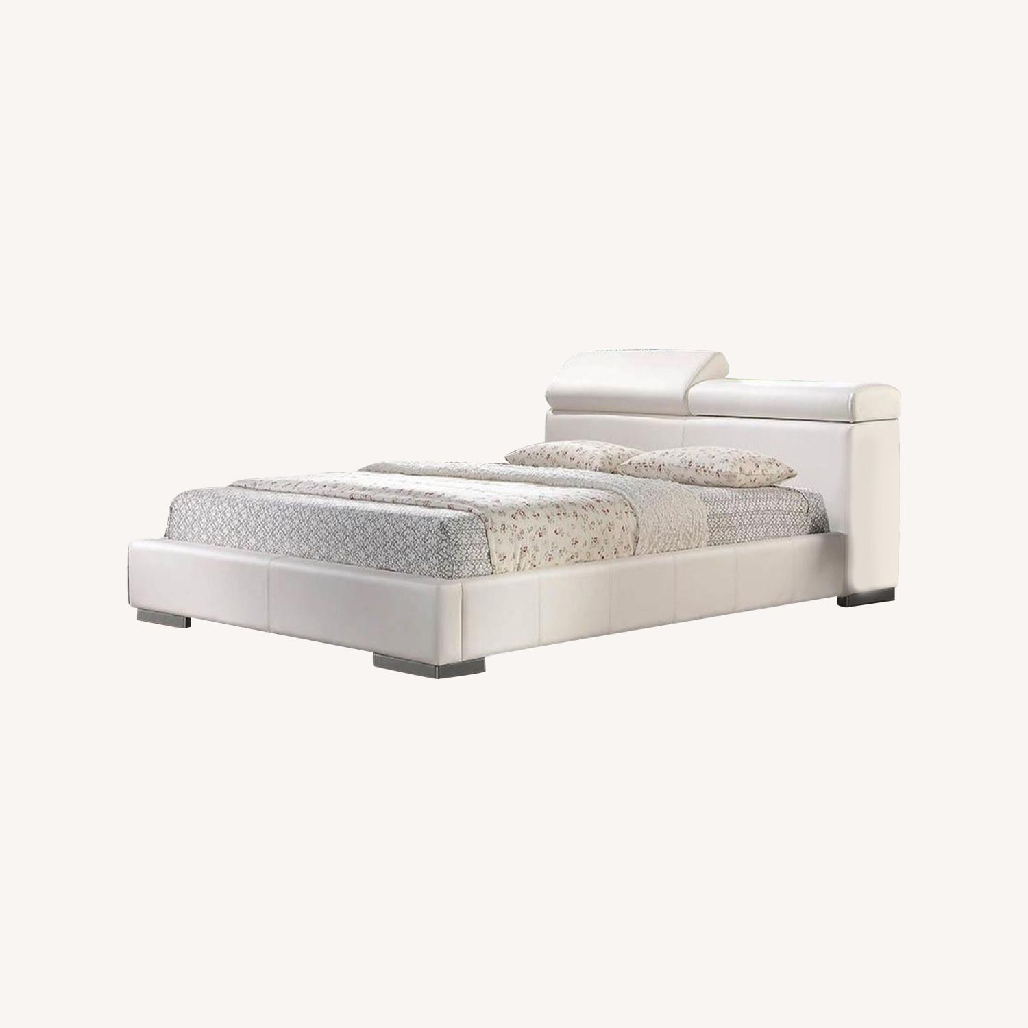 Modern Queen Bed In White Leatherette - image-4