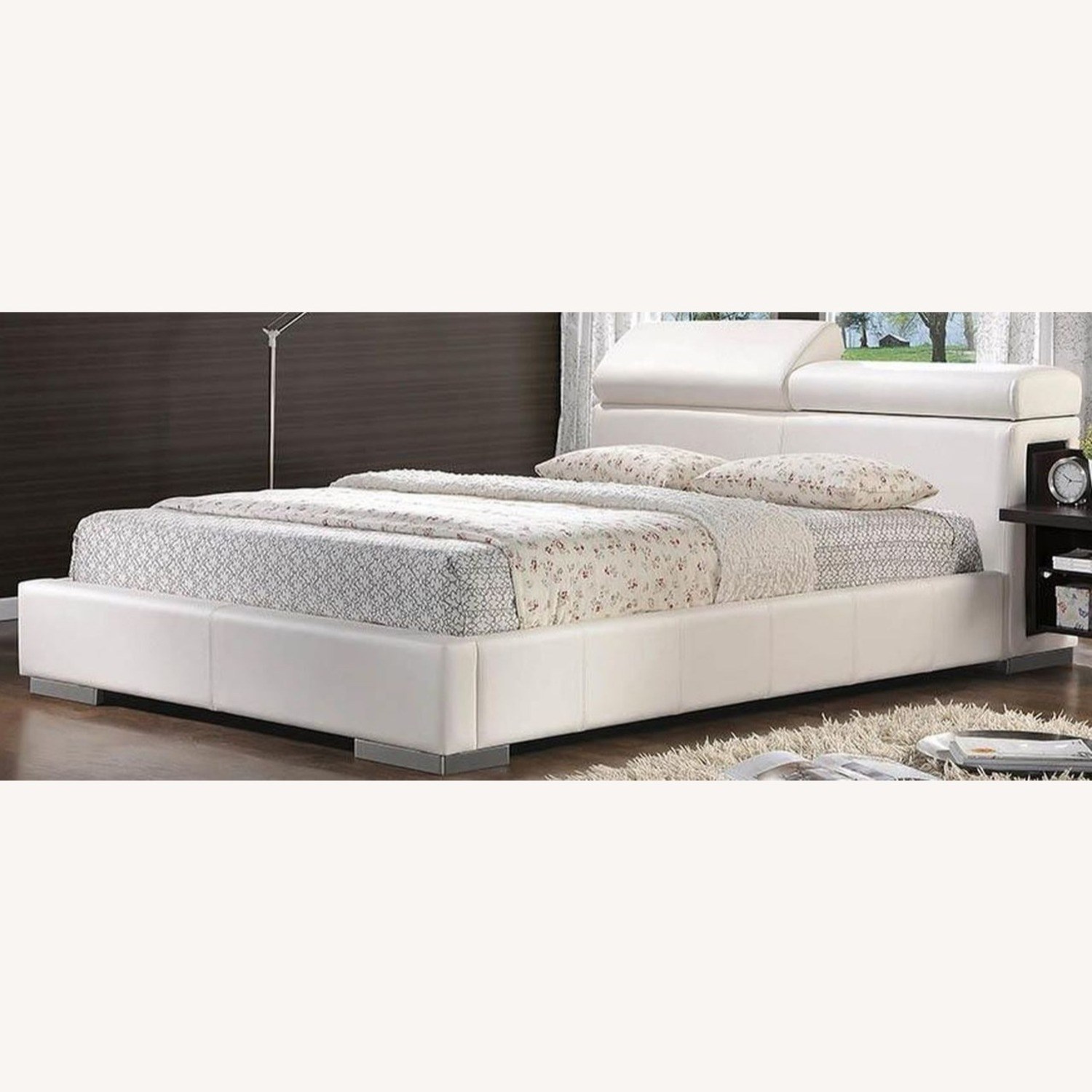 Modern Queen Bed In White Leatherette - image-0