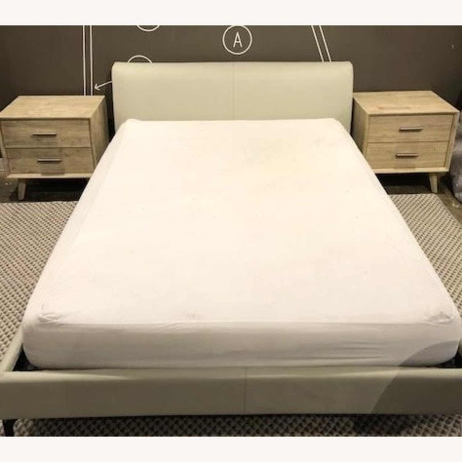 Camerich Queen Leather Platform bed - image-1