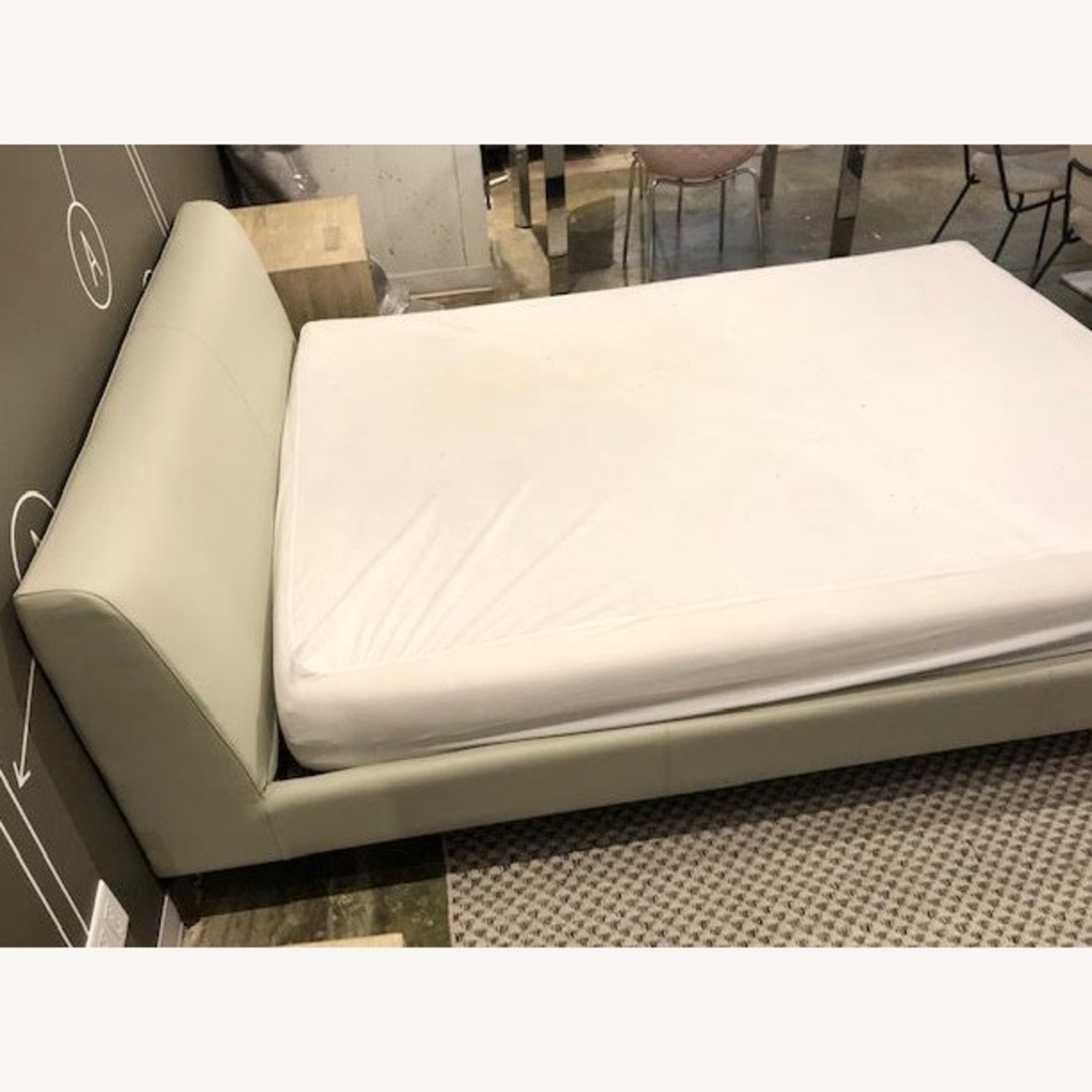 Camerich Queen Leather Platform bed - image-3