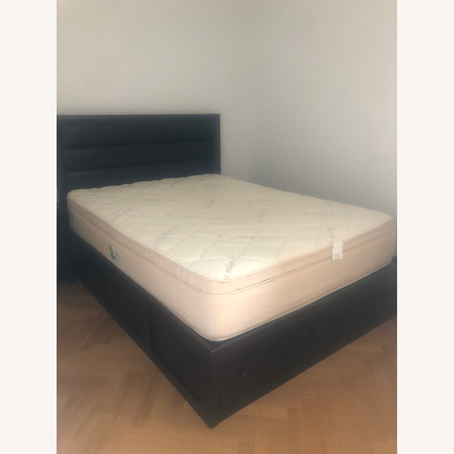 Queen Storage Bed with Headboard - image-1