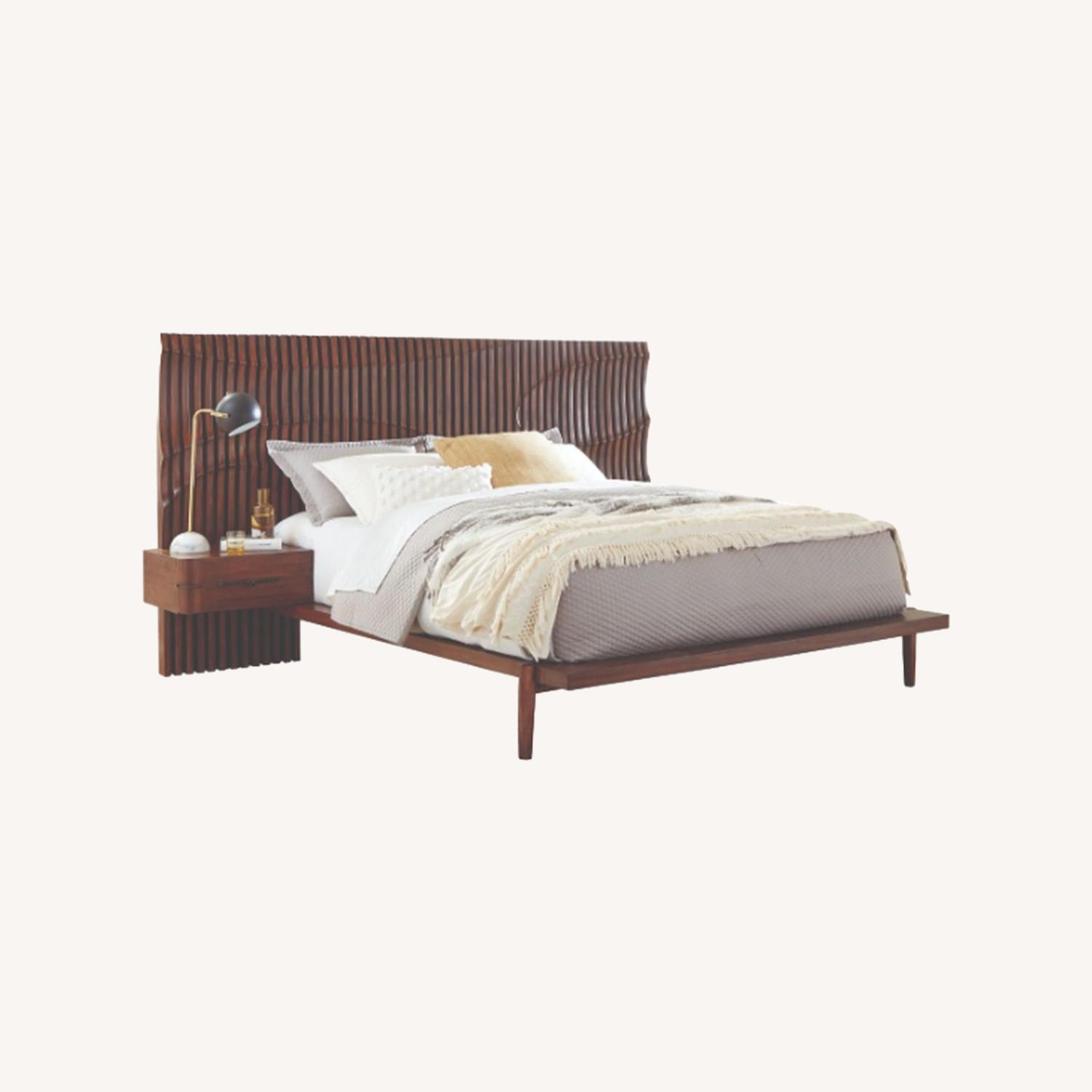 Contemporary King Bed In Dessert Teak Finish - image-3
