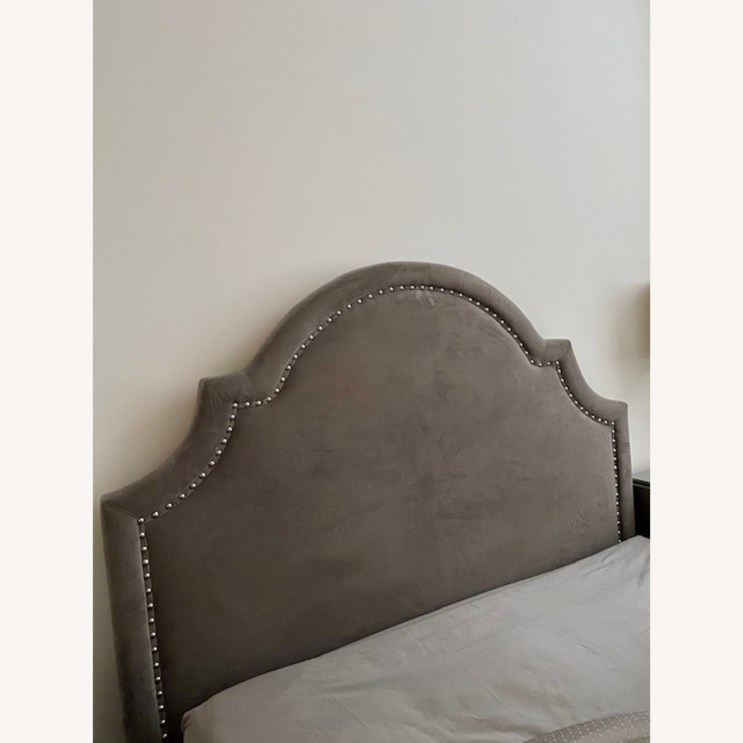 Z Gallerie Studded Bed Queen - image-3