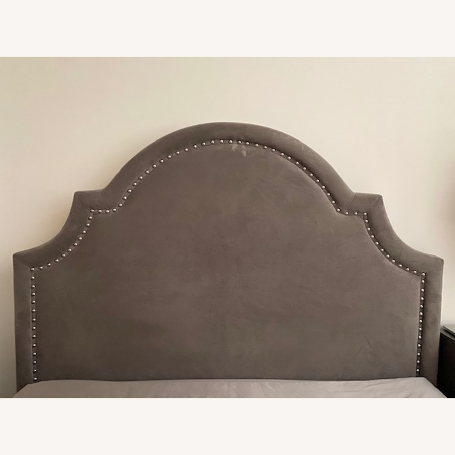 Z Gallerie Studded Bed Queen - image-2