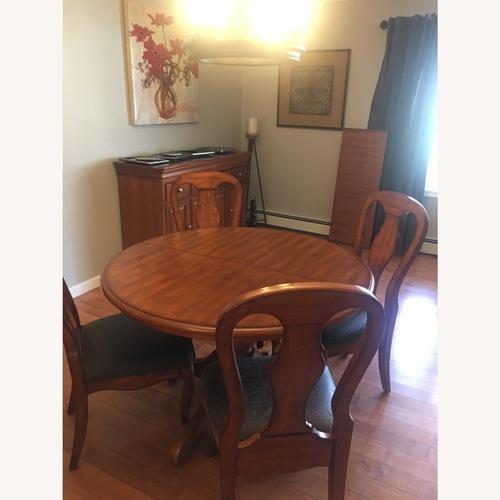 Used Home Decorator's 5 Piece Dining Set for sale on AptDeco