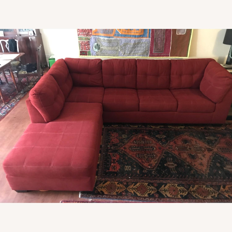 Jennifer Furniture Sectional w/Queen Sleeper - image-2