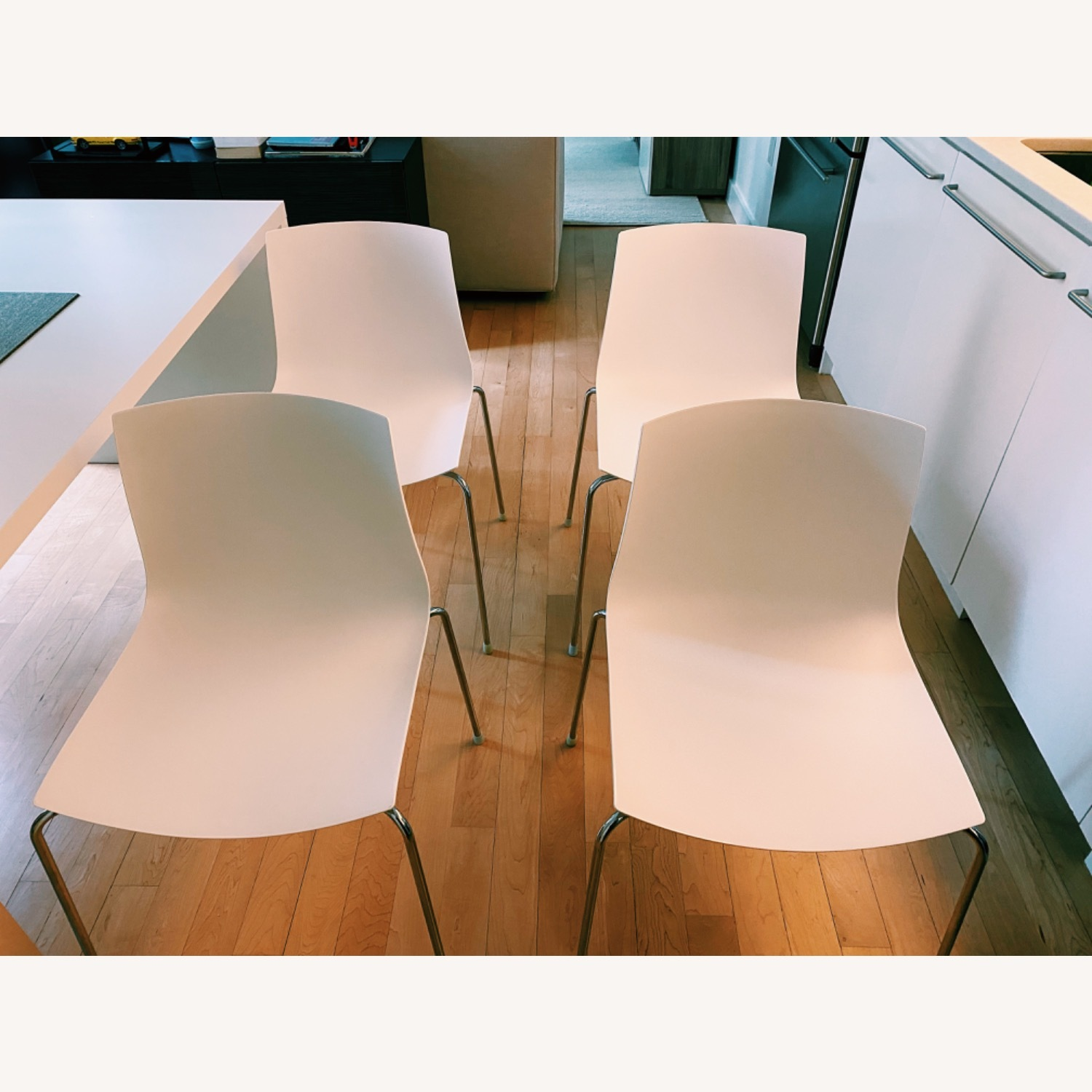Arper Catifa Dining Chairs (4) - image-1