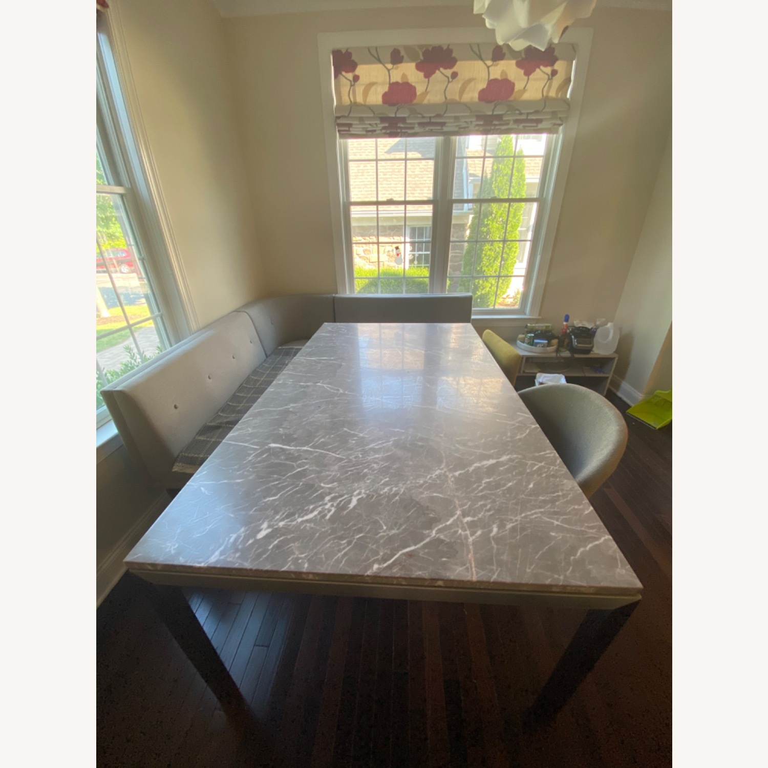 Crate and barrel grey marble dining table - image-5