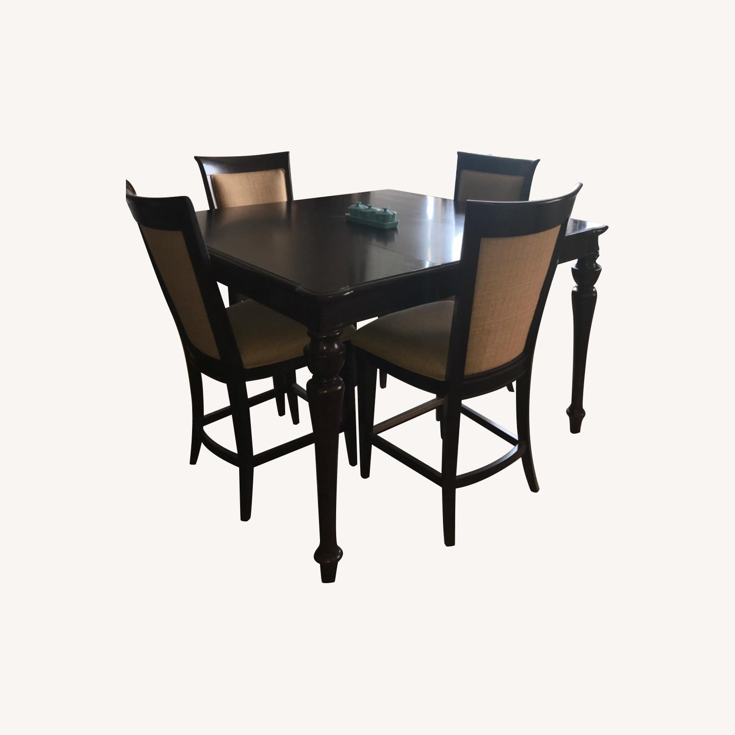 Havertys Copley Square Gathering Dining Table Set with Leaf - image-0