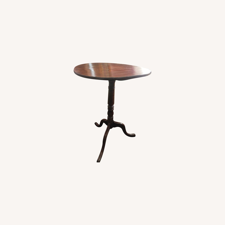 Charming Tilt-top Table - image-0