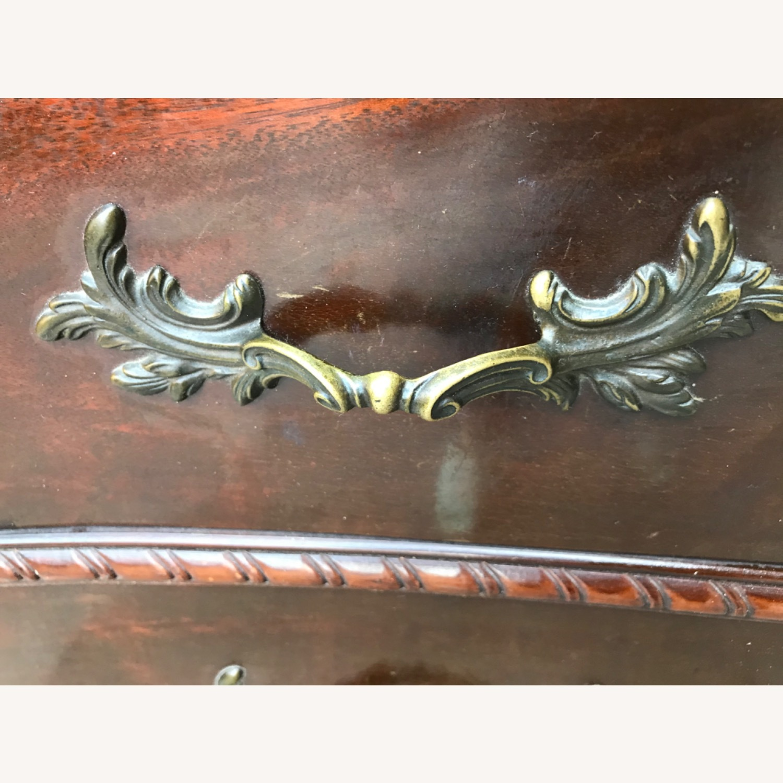 Antique 1900s Mahogany Dresser w/ Protection Glass - image-4