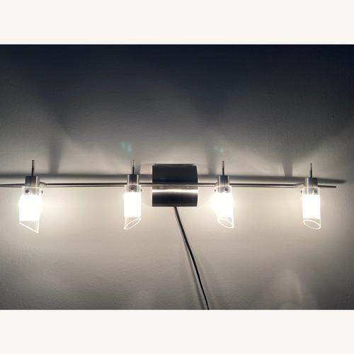 Used Wall lights (4 bulbs) for sale on AptDeco