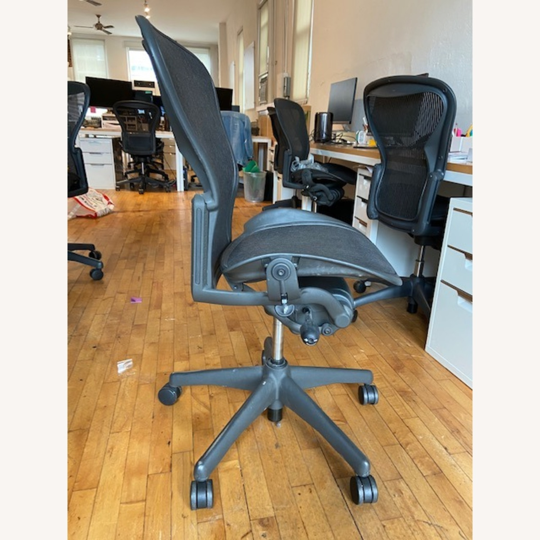 Herman Miller Armless Aeron Chair - image-2