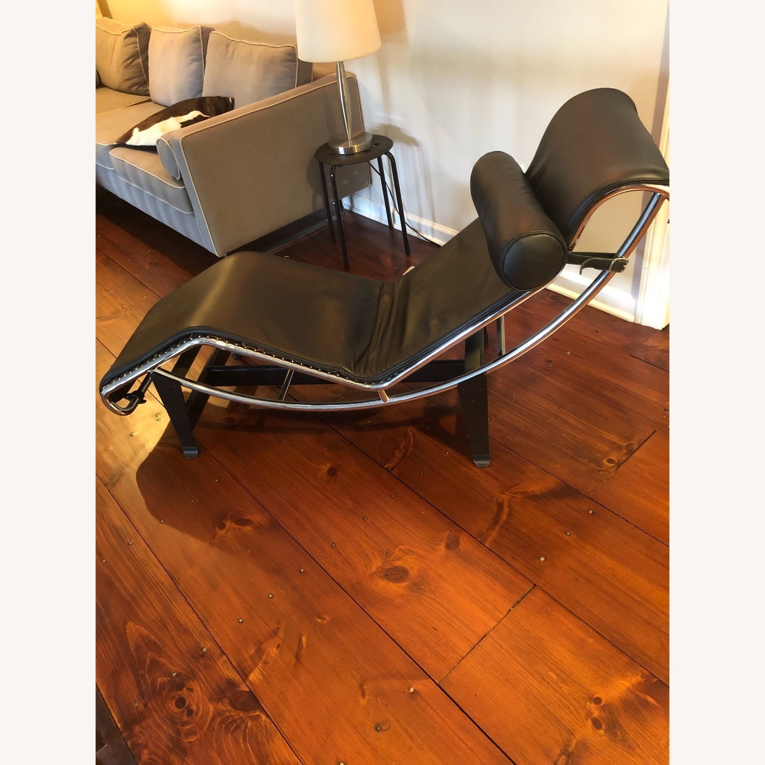 Authentic Cassina LC4 Chaise Lounge - image-1