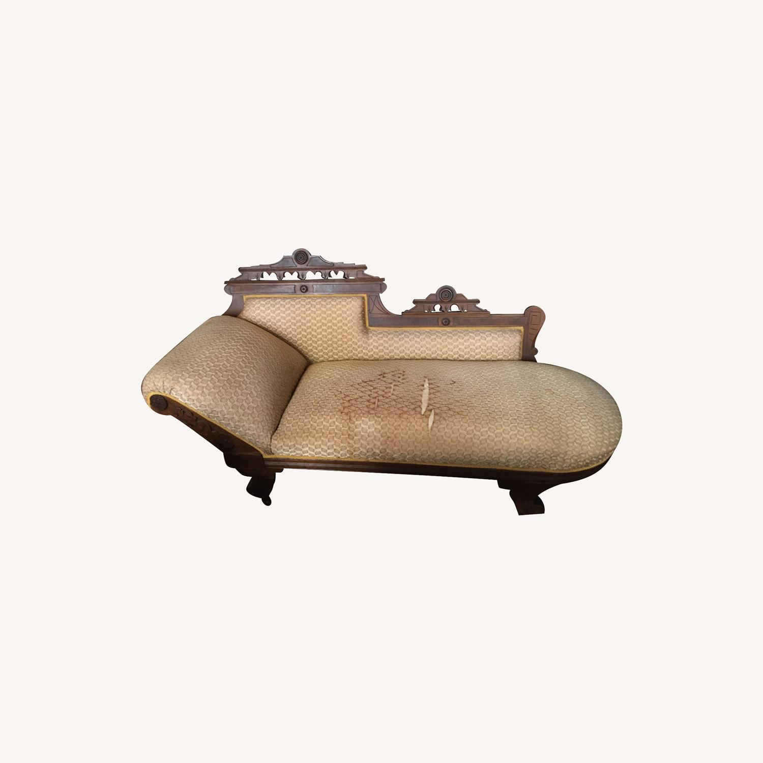 Antique Victorian Fainting Couch - image-0
