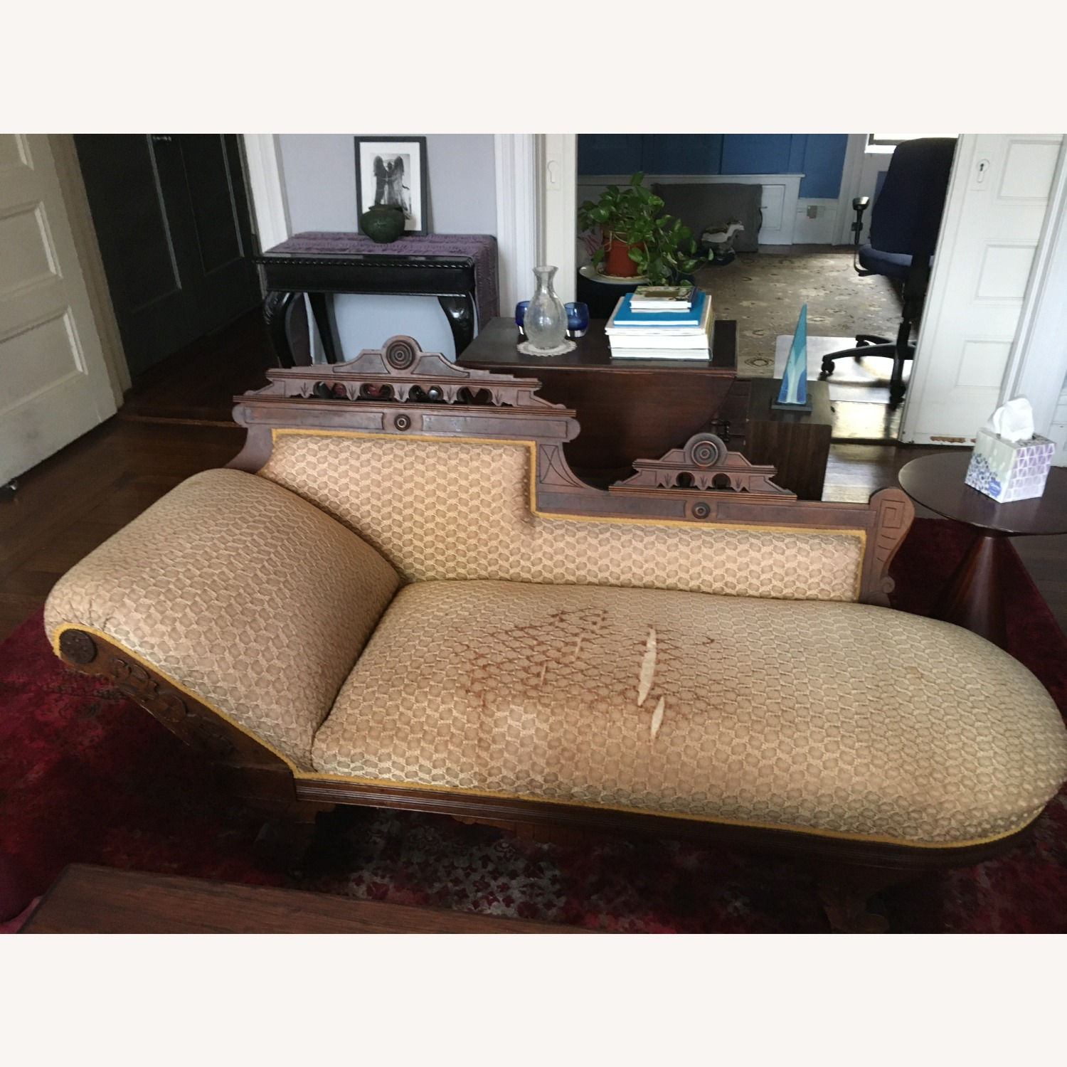 Antique Victorian Fainting Couch - image-1