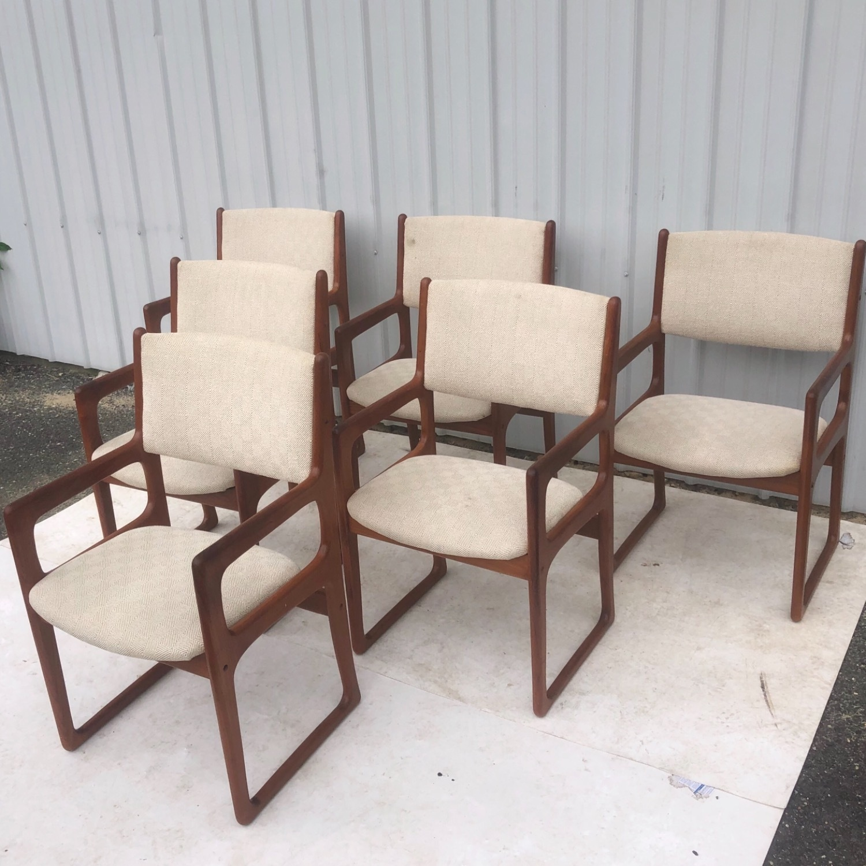 Set of Six Mid-Century Teak Dining Chairs - image-4