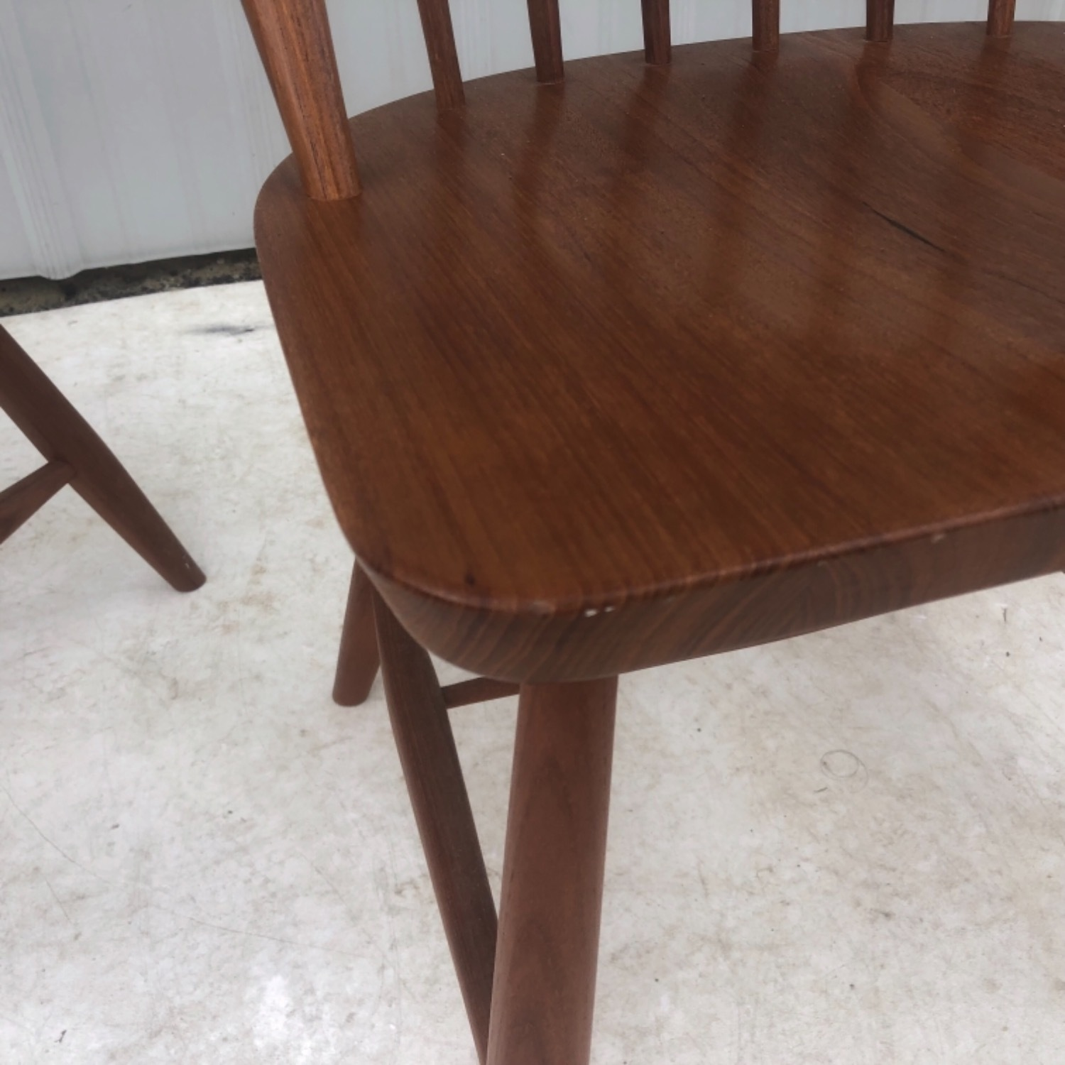 Vintage Modern Dining Set w/ Six Chairs - image-17