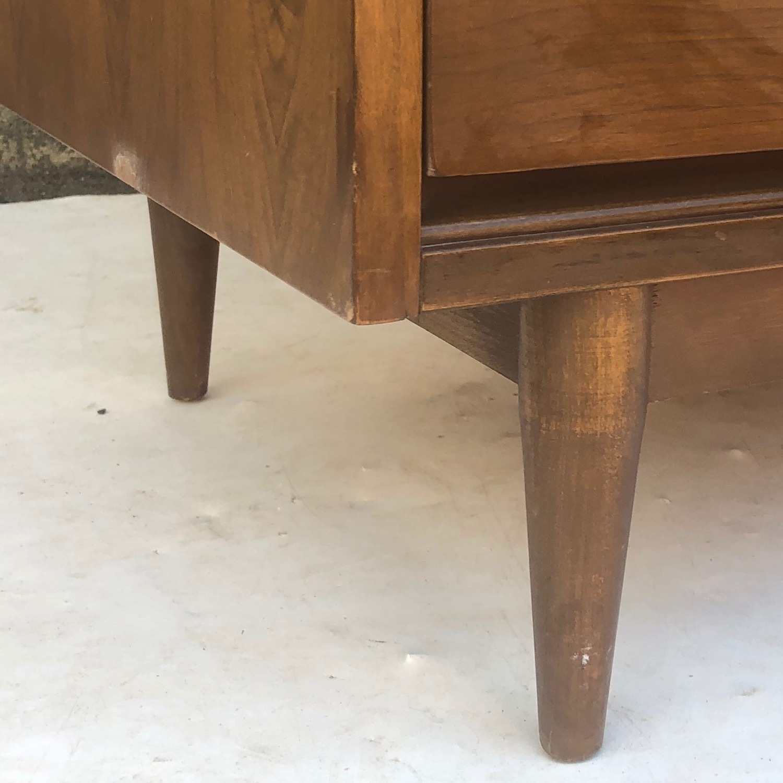 Mid Century Modern Six Drawer Dresser - image-15