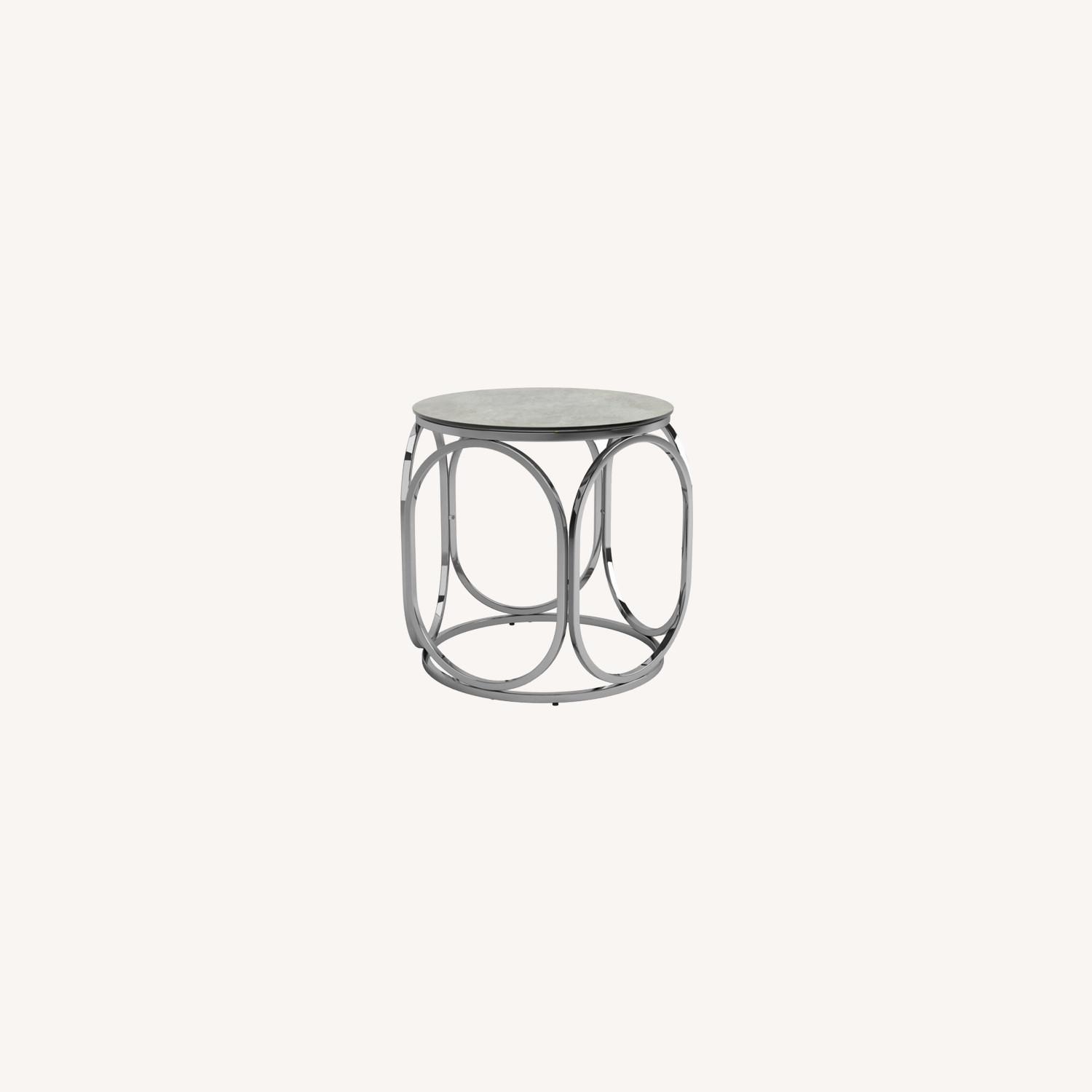 Circular Shapes End Table In Chrome Metal Finish - image-5