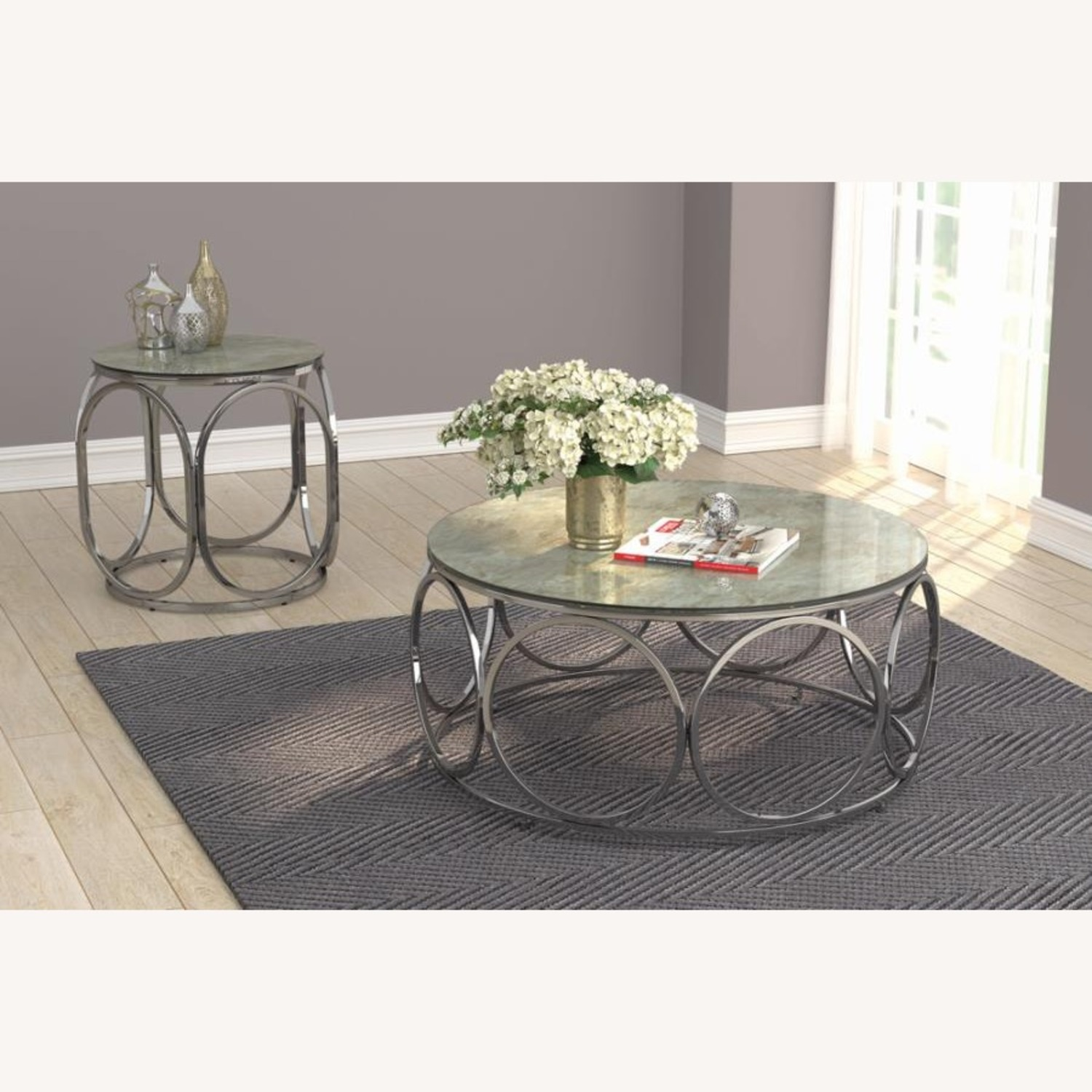Circular Shapes End Table In Chrome Metal Finish - image-4